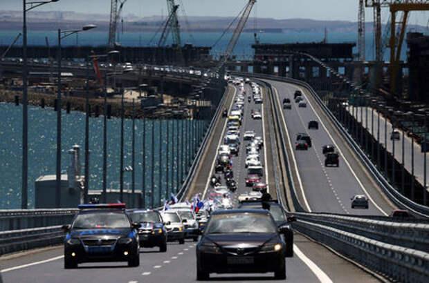 Очень много машин! На Крымском мосту установили новый рекорд