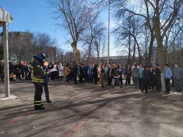 Учебно-тренировочная пожарная эвакуация в СОШ №8