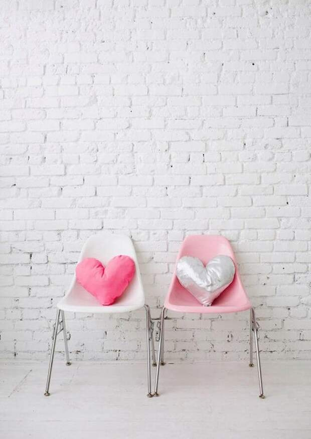 Шьем подушки в виде сердца: подарок ко Дню святого Валентина, милый декор своими руками