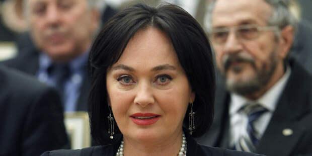 СМИ: Ларисе Гузеевой сделают переливание плазмы от переболевшего COVID-19 донора