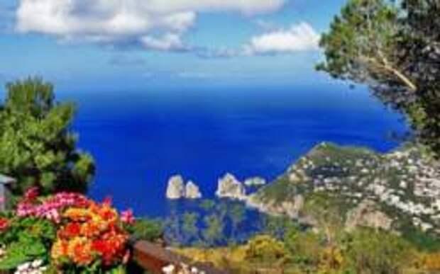 Капри - его голубые воды и лимонные сады ...