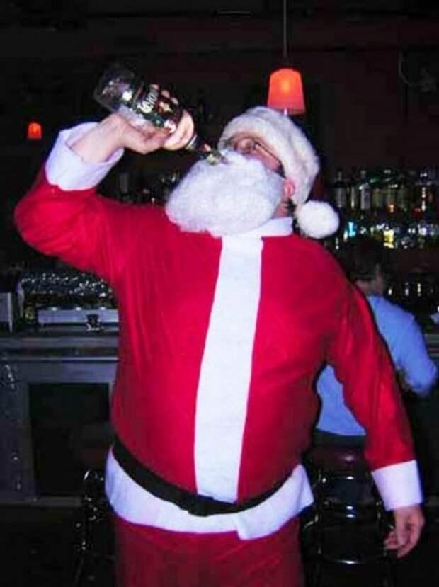 Пьяный Дед Мороз на Новый год