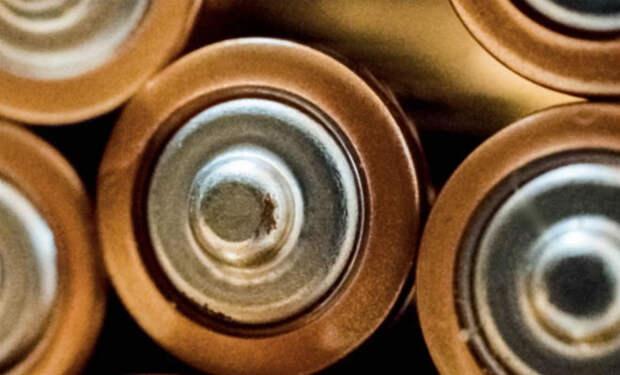 Протекла батарейка: как все исправить