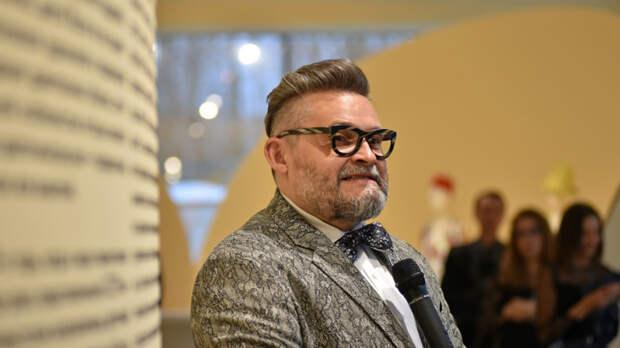 Васильев представил мужское пальто, которое отлично подойдет женщинам