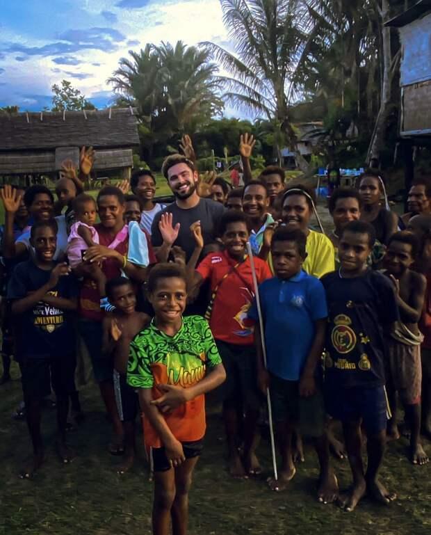 Зак Эфрон подхватил острую инфекцию в Папуа - Новой Гвинее