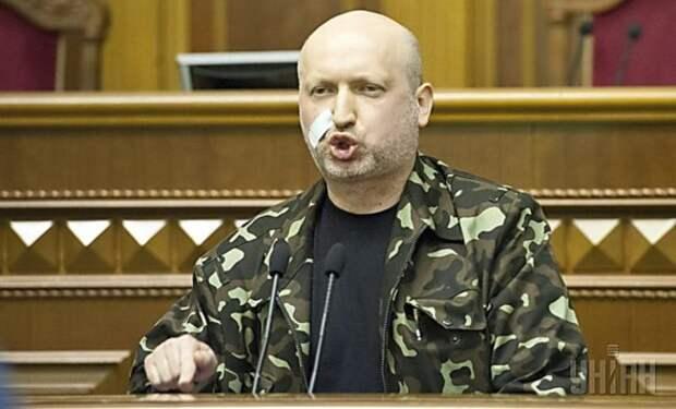Российский либерал назвал «собачьей чушью» слова Турчинова о наступлении на Крым