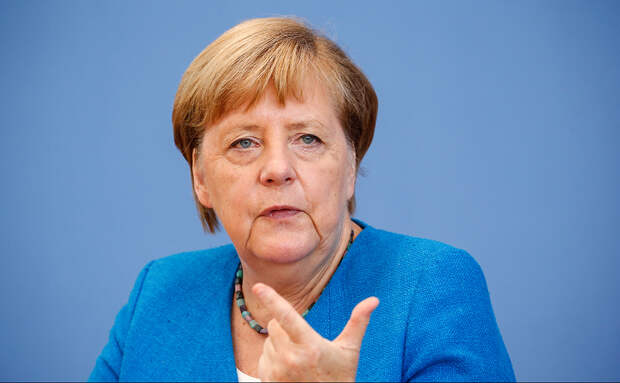 Жители ФРГ возмутились видеообращением Меркель о Великой Отечественной войне