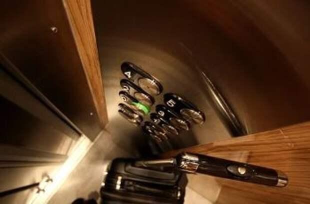 Для колясочника из Лианозова специально расширят кабину лифта