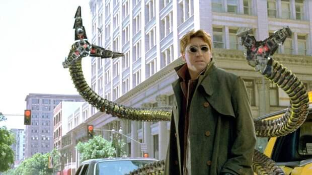 """Альфред Молина подтвердил свое появление в роли Октавиуса в новом """"Человеке-пауке"""""""