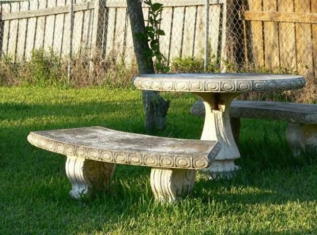 каменная мебель в саду