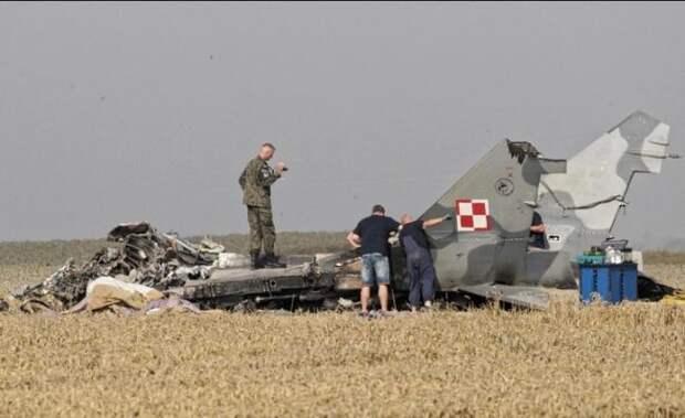 Польша обрекла на гибель 100 военных лётчиков, разорвав отношения с Россией !