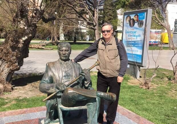Фотоконкурс: пенсионер из Нижегородского с Михаилом Пуговкиным