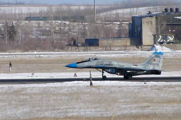 Пьяный военный инженер протаранил МиГ-29 на Украине