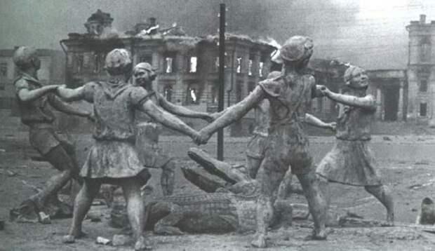 Центр Сталинграда во время боев, 1942 г. история, события, фото