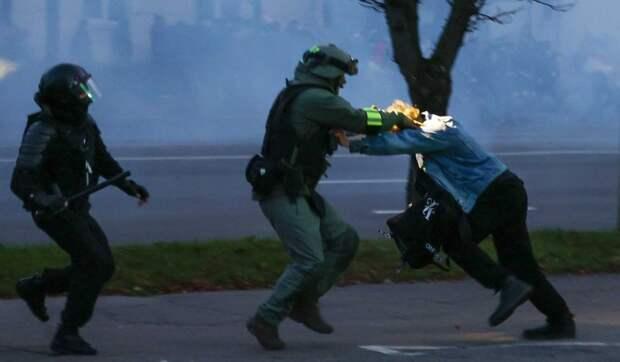 Жесткое задержание демонстрантов в Минске попало на видео