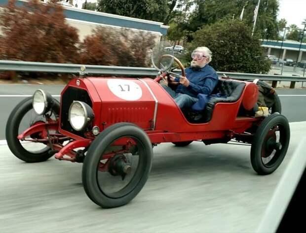 Гонщик Спиди на пенсии дорога, дорожные истории в картинках, забавно, качу куда хочу, необычно, смешно, смешные случаи, шоссе