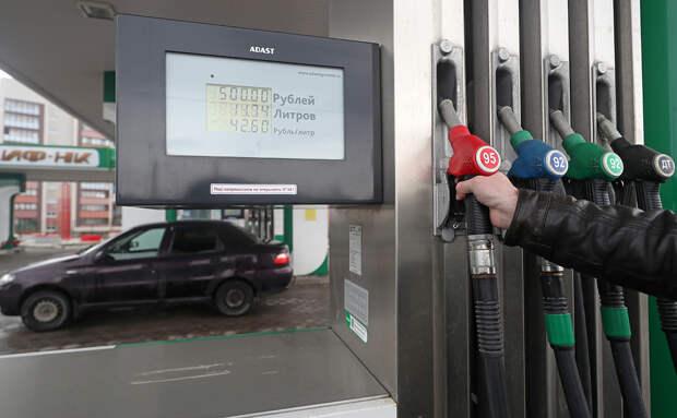Владельцы АЗС предупредили о риске роста цен на бензин из-за вируса