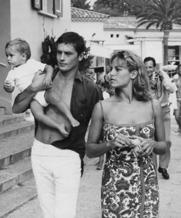 Ален Делон с сыном Энтони, 1965 год Фотография