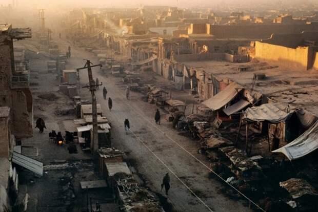 Достаточно взглянуть на одну из главных улиц Кандагара в 92-м: 1992, СССР, дорожное движение, капиталистические страны, прошлый век, соц. страны, страны третьего мира, улицы