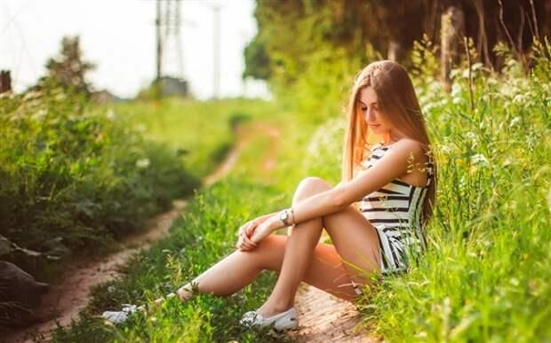 Обои Девочка летом, отдых, природа, трава 1920x1200 HD Изображение
