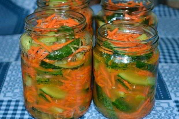 Огурцы по-корейски с морковью на зиму