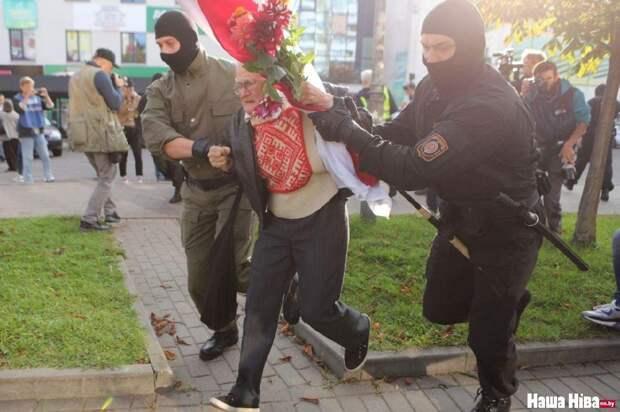 Разгон «Женского марша» в Минске: Русофобку побрезговали заводить в участок