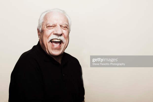 О смеющихся над «старцем Джо»