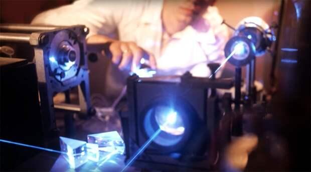 Лазер: российское оружие, превращающее вражеские спутники в груду металла