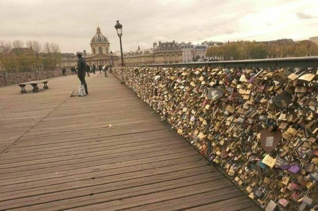 «Страдающие» достопримечательности, или когда туристы уже не к месту