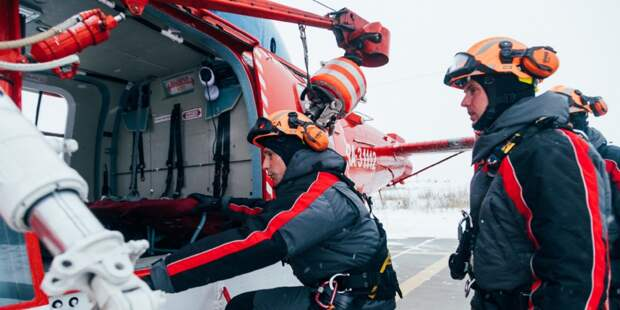 Сотрудники Московского авиацентра спасли 35 человек