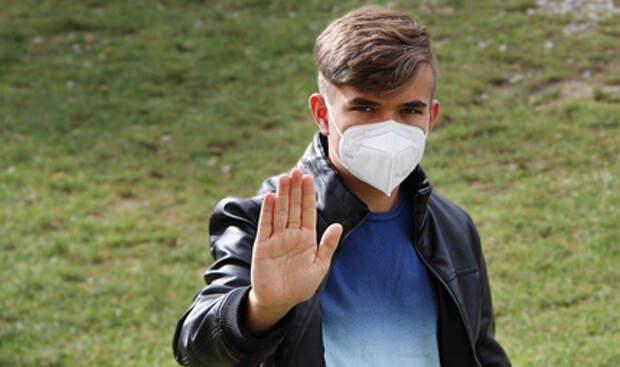 """Пандемия COVID-19: в России начали исследование """"Спутника V"""" для подростков"""