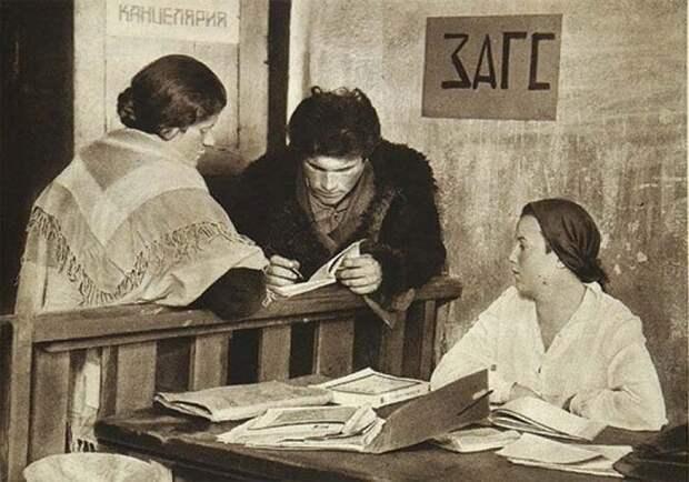 Как самый знаменитый строитель 30-х годов и «эталон комсомольца» стал предателем Родины