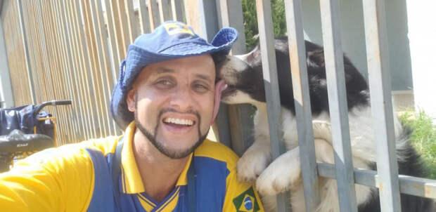 Этот бразильский почтальон лучший друг собак, Анджело Криштиану да Силва, Angelo Cristiano da Silva