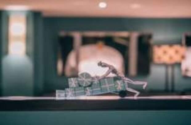 В брюссельском Hotel Amigo появилась ёлка Tiffany