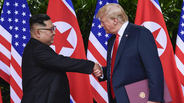 Лидер КНДР Ким Чен Ын и президент США Дональд Трамп  - РИА Новости, 1920, 10.09.2020