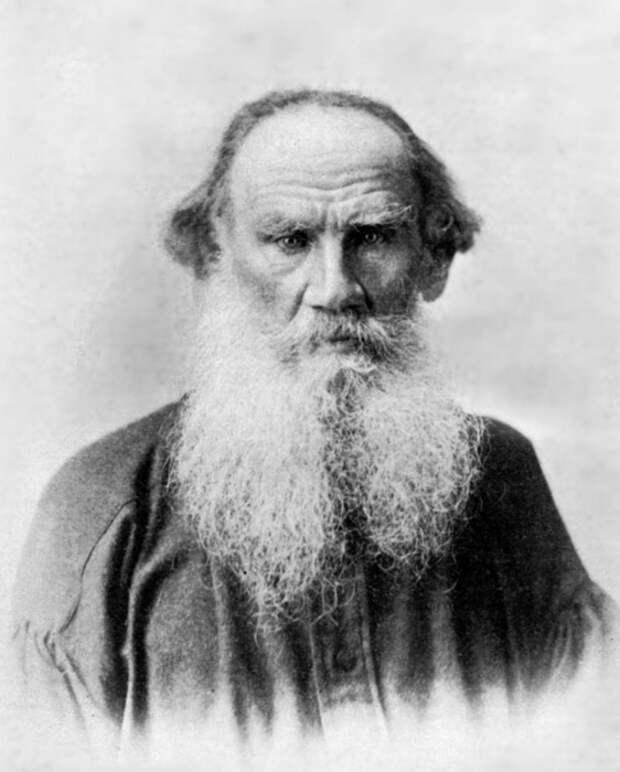 Лев Толстой - гениальный русский писатель