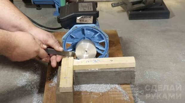 Как выточить алюминиевый шкив без токарного станка