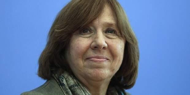 Алексиевич рассказала Европарламенту о безумии россиян