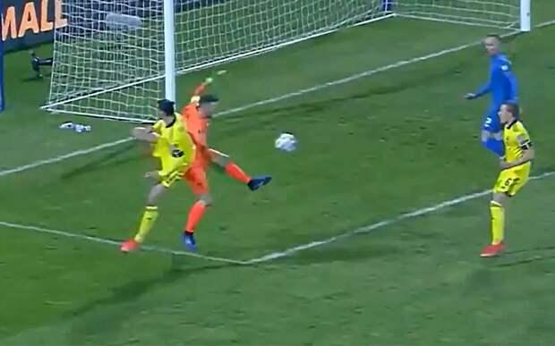 Ибрагимович выдал пас пяткой в акробатическом стиле в матче за сборную Швеции: видео
