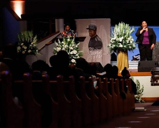 В США похоронили Флойда и теперь обсуждают полицейскую реформу