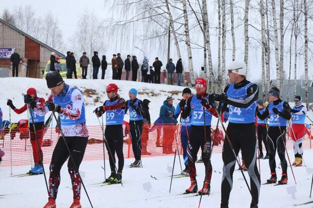 Зимние сельские игры в Удмуртии, следующая новогодняя столица России и противовирусная маска с серебром: что произошло минувшей ночью