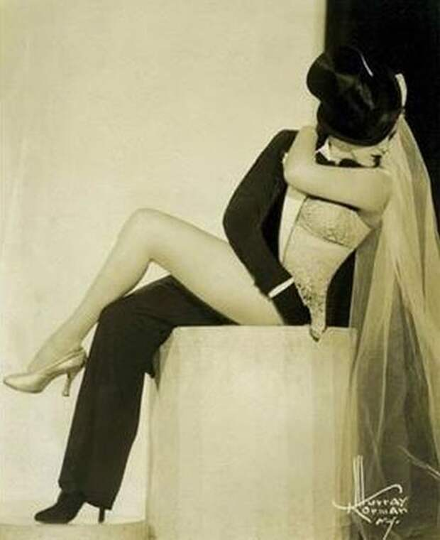 Танцовщица Зорита с номером Half and half (2 фото)