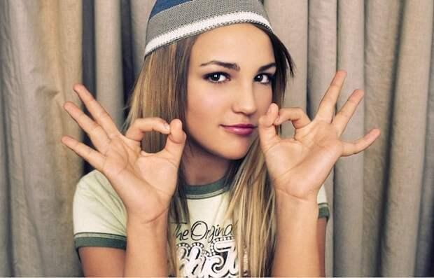 10 жестов, которые могут быть неверно истолкованы в разных странах