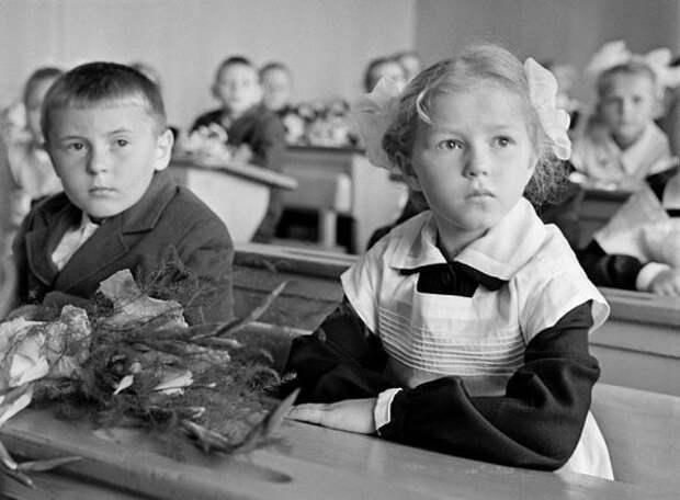 История школьной формы в России