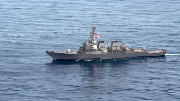 Фрегат «Адмирал Эссен» начал следить за эсминцем ВМС США, вошедшим в Черное море