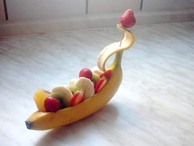 Банановые лодочки еда, креветки, люля-кебаб, шашлык, шурпа