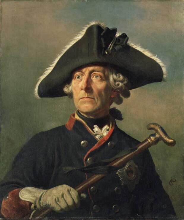 «На нём треугольная шляпа...» – история военной треуголки