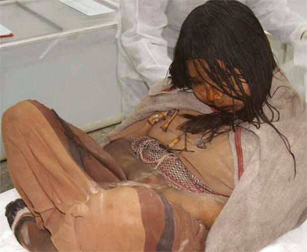 Llullaillaco_mummies_in_Salta_city_Argentina.jpg