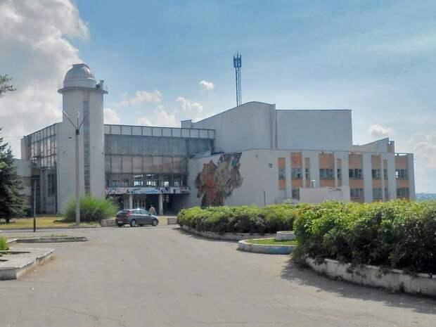 4 млн рублей выделят на восстановление прогнившего пола во дворце пионеров Ижевска