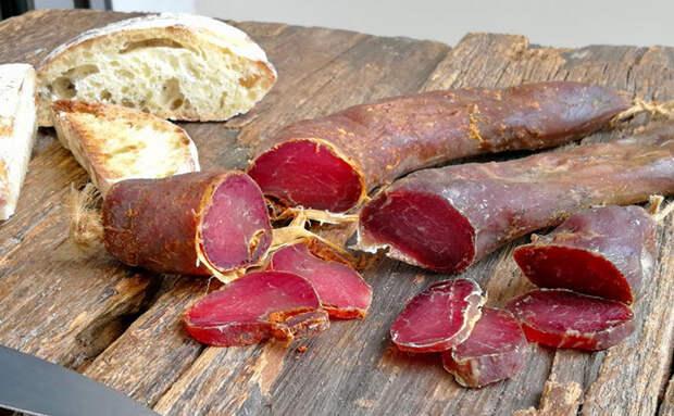 Сыровяленая свинина по совету итальянца. Килограмм мяса стал деликатесной нарезкой